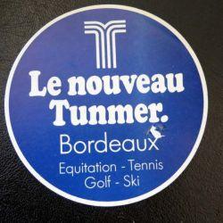 Autocollant Le nouveau Tunmer Bordeaux Equitation Tennis Golf Ski avec défaut