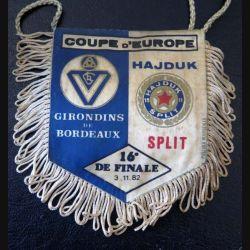 Fanion petit modèle de coupe d'Europe Hadjuk Split Girondins de Bordeaux 16° finale 3/11/1982