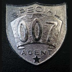 Insigne métallique spécial 007 agent