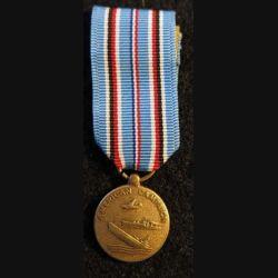 USA : Médaille miniature American Campaign Medal  1941-1945 (4437)