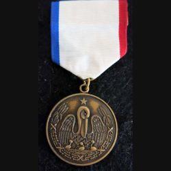 USA  : médaille commémorative américaine de l'Honorable service medal to Louisiana avec ruban (223)