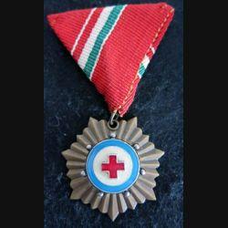 HONGRIE : médaille de la Croix-Rouge hongroise grade bronze en émail ruban rouge