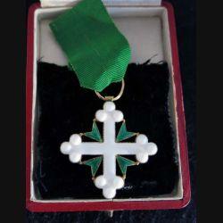 ITALIE :croix de chevalier de l'ordre des Saints-Maurice-et-Lazare émail
