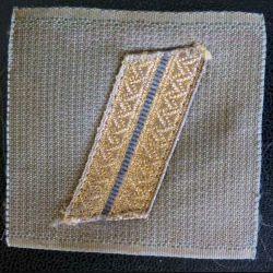 FRANCE : galon de combat de sergent (doré) sur scratch