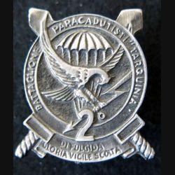 """ITALIE : insigne métallique du 2° Battaglione Paracadutisti """" Tarquinia """""""