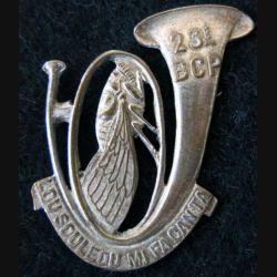 23° BCP : insigne métallique du 23° bataillon de chasseurs à pied ajouré 5mourgeon) sans attache