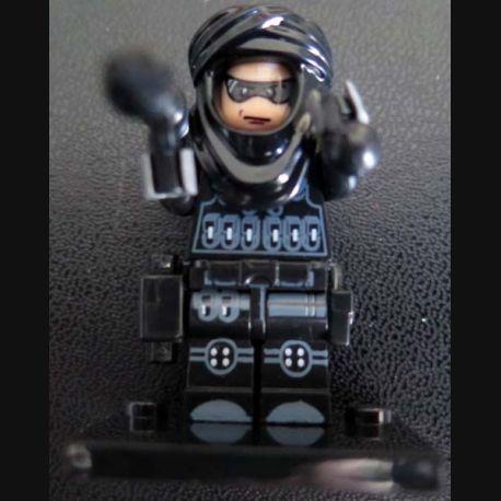 Pochette comprenant 1 personnage DAESH avec accessoires divers