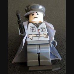 Pochette comprenant 1 personnage soldat amllemand 2° GM avec accessoires divers