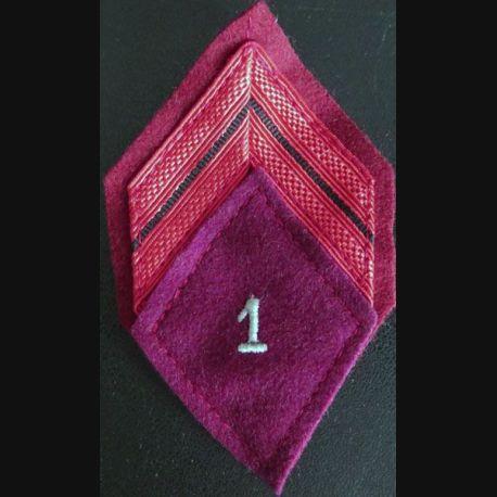 1° RMED : galon de caporal du 1° régiment médical avec crochets de fixation