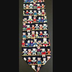 Cravate  sans étiquette 100 % soie ? dominante noire avec oursons colorés (C176)