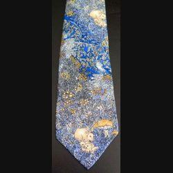 Cravate  Brice 100 % soie dominante bleue avec lapins dans la nature (C176)