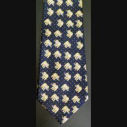 Cravate René Chagal Italian designer 100 % soie à dominante noire avec éléphants jaunes (C176)