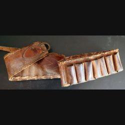 cartouchière de chasse en cuir bien usé