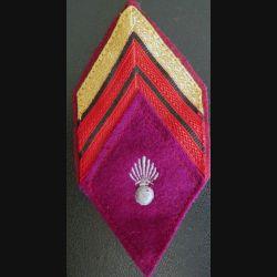 LOSANGE DE BRAS MODÈLE 45 : Caporal chef du service de santé avec crochets arrière