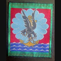 11° DP : insigne tissu de la 11° division parachutiste vert clair autour  5 x 6,5 cm sur feutrine
