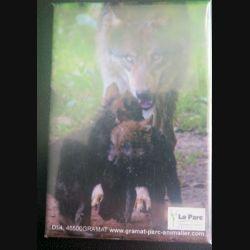 MAGNET FRIGO Parc de Gramat représentant une louve et ses louveteaux 5,5 x 8 cm