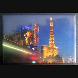 MAGNET FRIGO PARIS et la tour Eiffel et la pub Ballys 5,5 x 8 cm
