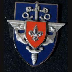 BDD LILLE : insigne de la base de défense de Lille de fabrication Arthus Bertrand G. 5204