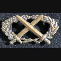 BMPE : insigne du brevet militaire professionnel élémentaire  fabrication Coinderoux attaches pin's
