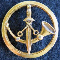 INSIGNE DE BÉRET : Insigne de béret de la Poste aux armées en métal doré fabrication L. Bichet