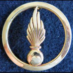 INSIGNE DE BÉRET : Insigne de béret du Cadre Spécial fabrication L. Bichet Livry Gargan