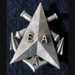 EAA  : insigne métallique de l'école d'administration de l'armement de fabrication Fraisse G. 3138