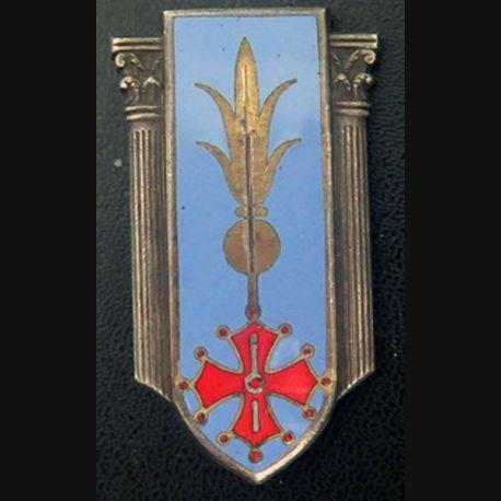 EMI : Insigne de l'école militaire d'infanterie de fabrication Arthus Bertrand G. 1937 sans épée en émail