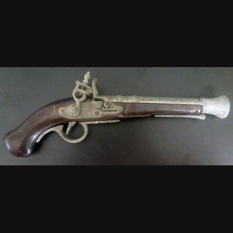 Pistolet de pirate (reproduction espagnole) en bois et métal mécanisme HS (C185-4)