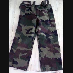 Sur Pantalon camouflé étanche taille 88 C de fabrication CSV 2001 (C189 -67)