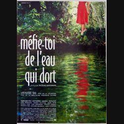 """AFFICHE FILM : affiche de cinéma du film """"Méfie-toi de l'eau qui dort """" dimension 40 x 54 cm (E001)"""