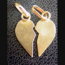 Bijou en forme de coeur séparé en deux en métal doré (plaqué or ?)