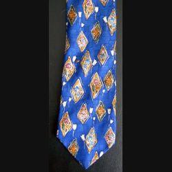 Cravate Burton 100 % polyester fleurs sur fond bleu (C144)