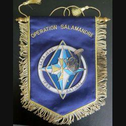 19° GCM : fanion du 19° Groupe de chasseurs mécanisés Sarajevo IFOR BATINF 2 en canetille de superbe fabrication (C144)
