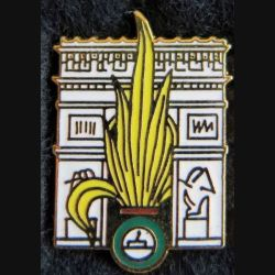 LEGION : Pin's représentant la grenade de la Légion étrangère sur l'arc de triophe de Paris