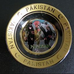 Pakistan : Magnet coupelle du Border Ranger regiment pakistanais diamètre 6 cm