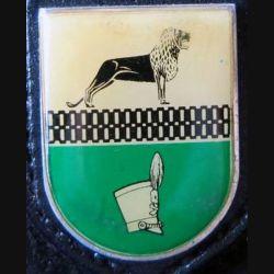 ALLEMAGNE : insigne allemand émail plastique