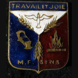 insigne en émail Travail et Joie M.F. SENS frabrication Arthus Bertrand Paris
