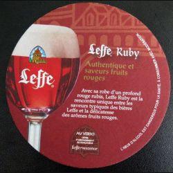 DESSOUS DE VERRE A BIÈRE : Dessous de verre à bière Leffe Ruby de diamètre 9 cm