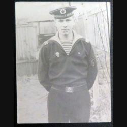 URSS : photo 7,7 x 9,8 cm d'un sergent de 2° classe de la marine de la mer baltique (C194)