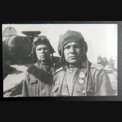 URSS : photo 17,5 x 11 cm au premier plan sous-colonel des troupes blindées 1944 (C200)