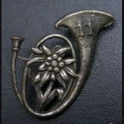 11° BCA : insigne du 11° bataillon de chasseurs alpins de fabrication Andor Ivry