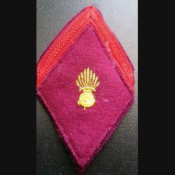 LOSANGE DE BRAS MODÈLE 45 : soldat de 1° classe du service de santé crochets au dos