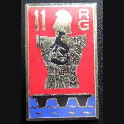 11° RG : insigne métallique du 11° régiment du Génie de fabrication Drago Paris G. 2151