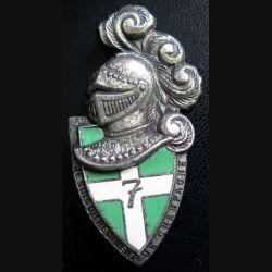 7° RI : insigne du 7° régiment d'infanterie de fabrication A.B G. 2413 en émail