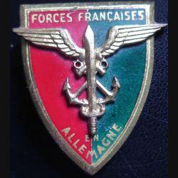 FFA : Insigne métallique des forces françaises en Allemagne de fabrication Drago G. 803