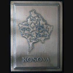 KOSOVO : Plaque souvenir de la KFOR au Kosovo en cuivre travaillé de fabrication locale