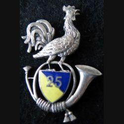 25° BCA : insigne métallique du 25° bataillon de chasseurs alpins en émail  fabrication Arthus Bertrand retirage
