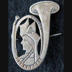 15° BCA : insigne métallique du 15° bataillon de chasseurs alpins chiffre 15 gravé (Mourgeon)