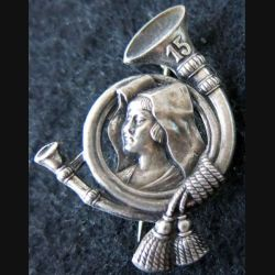 15° BCA : insigne métallique du 15° bataillon de chasseurs alpins de fabrication Arthus Bertrand Paris épingle à bascule