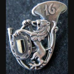 16° GC : insigne métallique du 16° groupe de chasseurs de fabrication Drago Noisiel G. 2265